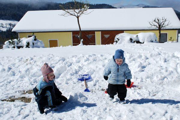 Schneeschaufeln
