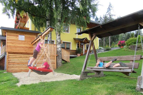 Langhanshof Spielplatz (3)